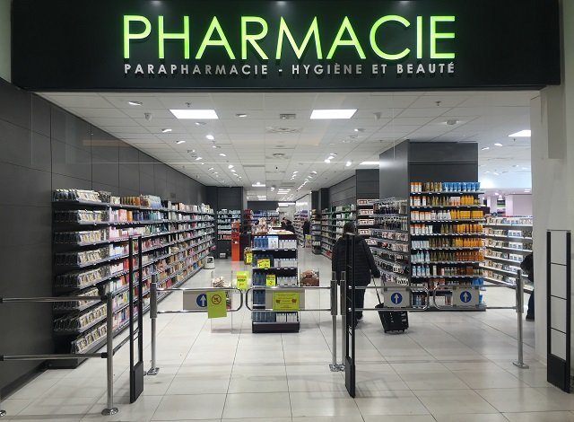 Proexpace agencement pharmacie Grand Littoral Marseille
