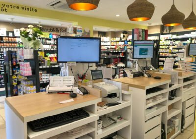 Proexpace agencement pharmacie- Bocage - Allauch - comptoirs