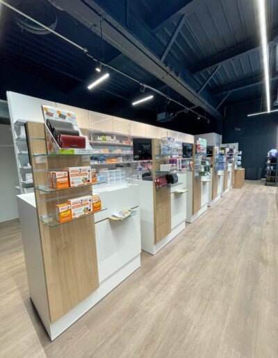 Proexpace agencement pharmacie- Poulos - Marseille - comptoirs